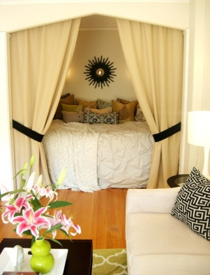 Simple curtains - http://pinterest.com/pin/74450200059535323/