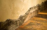 Wood skirting board - http://www.waltlandi.com/za/WL?PAGE=GALLERY&ZA_ARTICLE.ID=79&CAT=GALLERY&LOADER=TRUE&DEFAULTCATSET=TRUE