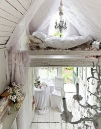 Beautiful shabby chic cottage - http://memento-designs.com/uncategorized/my-shabby-chic-heaven/