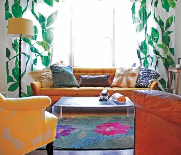 Mixing prints - http://www.gardendesign.com/what-makes-a-house-a-home-the-designsponge-edition