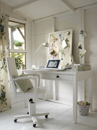 Neutral tones - http://bellsandboards.com/2013/05/08/home-office-wooden-accents/